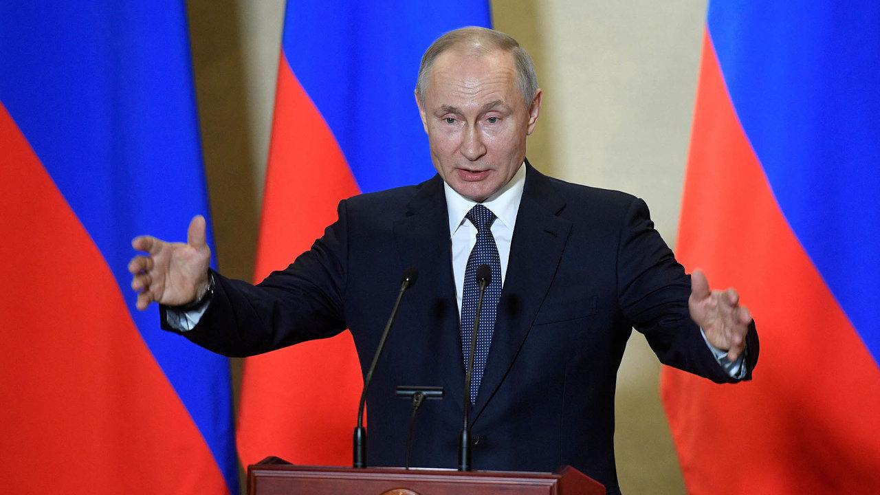 Putin teď promluvil v době, kdy napětí v Rusku i na mezinárodní úrovni dál roste.