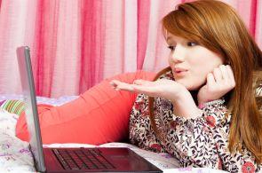 Stále více lidí se ke své nové lásce prokliká na internetu