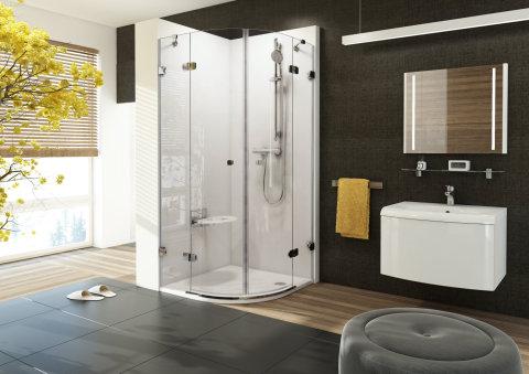Nábytek do koupelny a vana od firmy Ravak