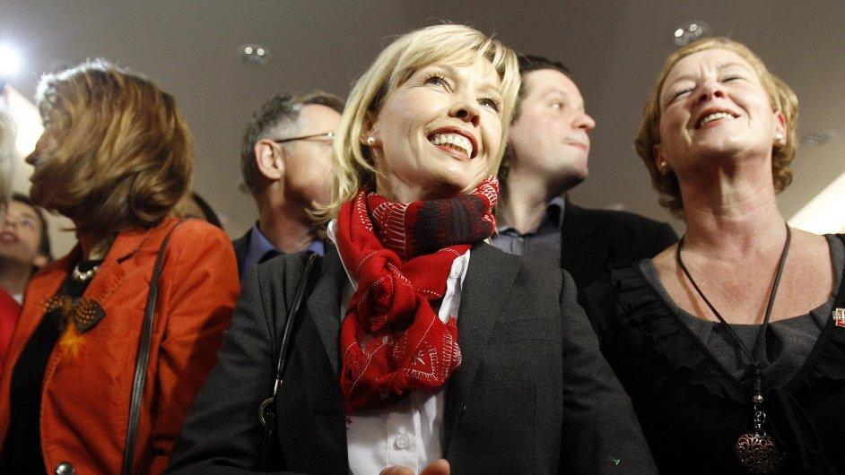 Za SPD kandidovala v Dolním Sasku i žena bývalého premiéra Gerharda Schrödera Doris