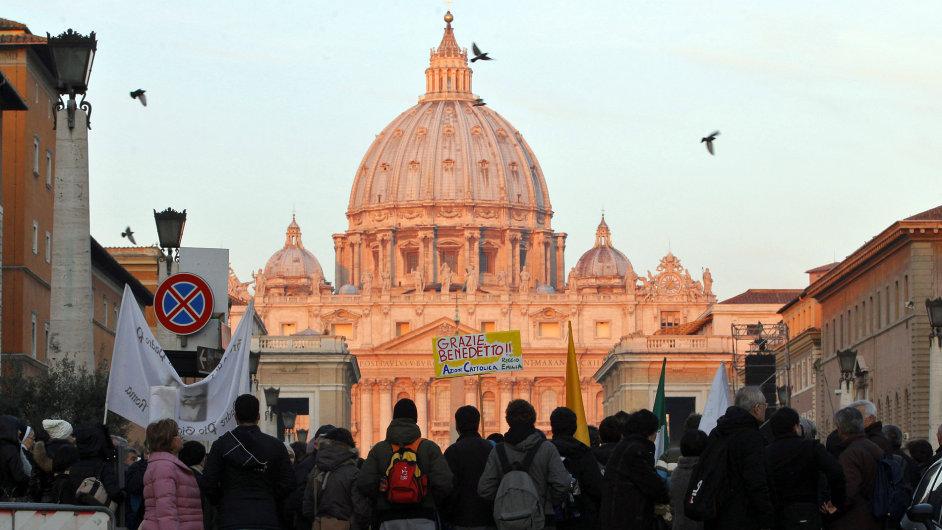 Papež se rozloučil s věřícími
