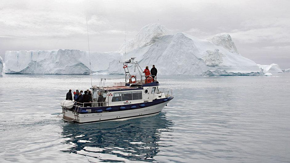 Poklad pod stříbrným ledem. (Politici a vědci na obhlídce tání ledovců v Grónsku)