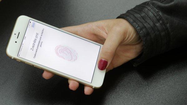 Úřady momentálně řeší i další případ - FBI se snaží dostat do přístroje iPhone, který používal islamistický radikál - Ilustrační foto.