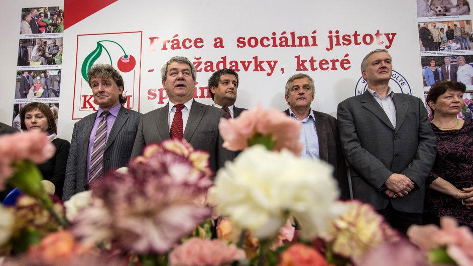 Karafiáty jako tradičně slavilo KSČM úspěch v senátních a krajských volbách - Ilustrační foto.