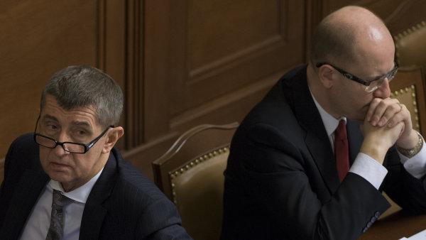 Vicepremiér Andrej Babiš (ANO) a premiér Bohuslav Sobotka (ČSSD)