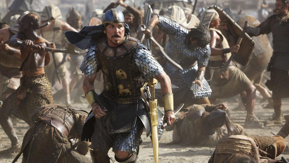 """Bohem vyvolený Mojžíš (Christian Bale) byl """"vychován ve vší egyptské moudrosti a byl mocný v slovech i činech""""."""