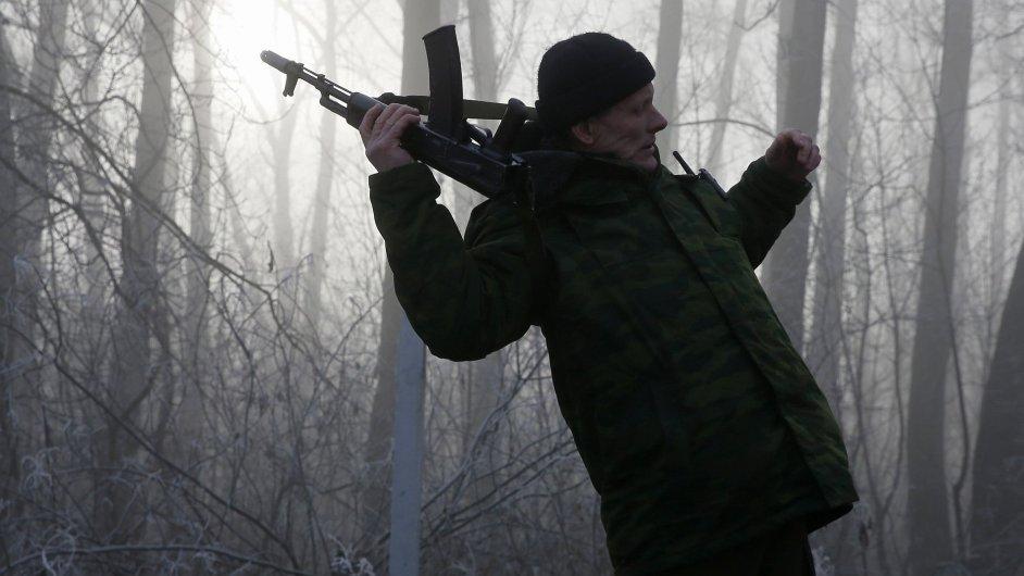 Proruský separatista, ilustrační foto