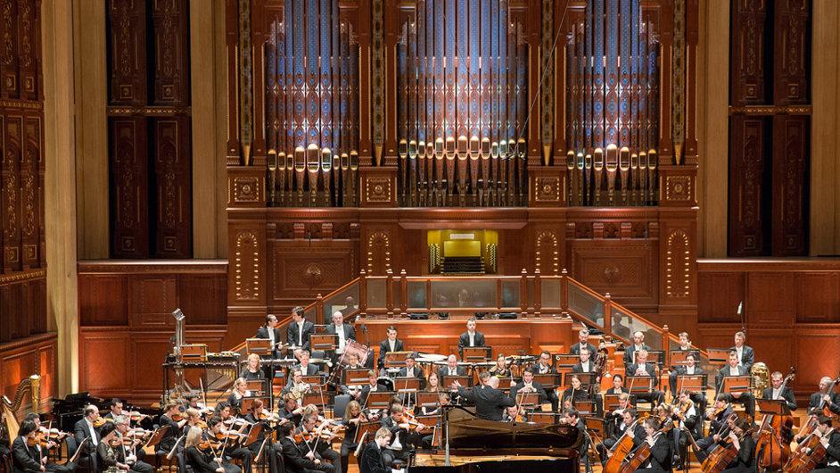 Nastupující šéfdirigent PKF považuje operní dům v Ománu za jeden z nejkrásnějších na světě.