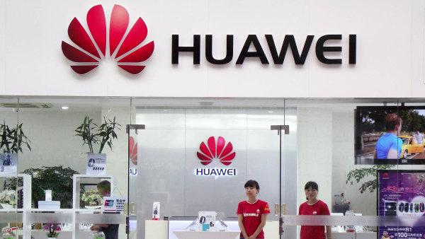 Huawei loni prodal přes sto milionů smartphonů - Ilustrační foto.