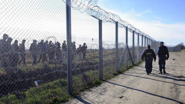 Maďarsko už postavilo plot na hranici se Srbskem, Chorvatskem i Slovinskem - Ilustrační foto.