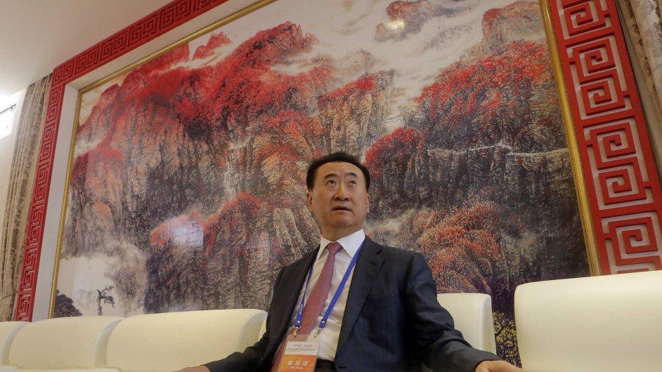 Čínský podnikatel Wang Jianli na představení filmového komplexu Qingdao Oriental Movie Metropolis