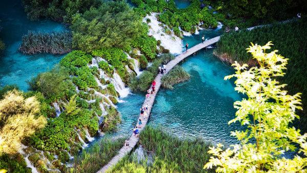 Na Plitvických jezerech byly natočeny některé scény pro film Poklad na Stříbrném jezeře - Ilustrační foto.