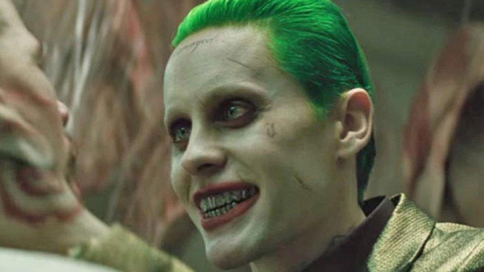 Film Sebevražedný oddíl (na snímku je herec Jared Leto) od minulého čtvrtka promítají také česká kina.