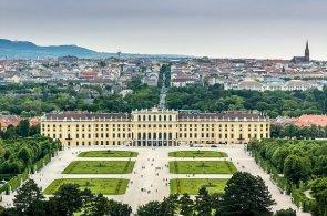 V číslech: Vídeň je šestou největší metropolí v EU. Na Big Mac si tu vydělají za 12 minut, polovinu plochy města tvoří zeleň