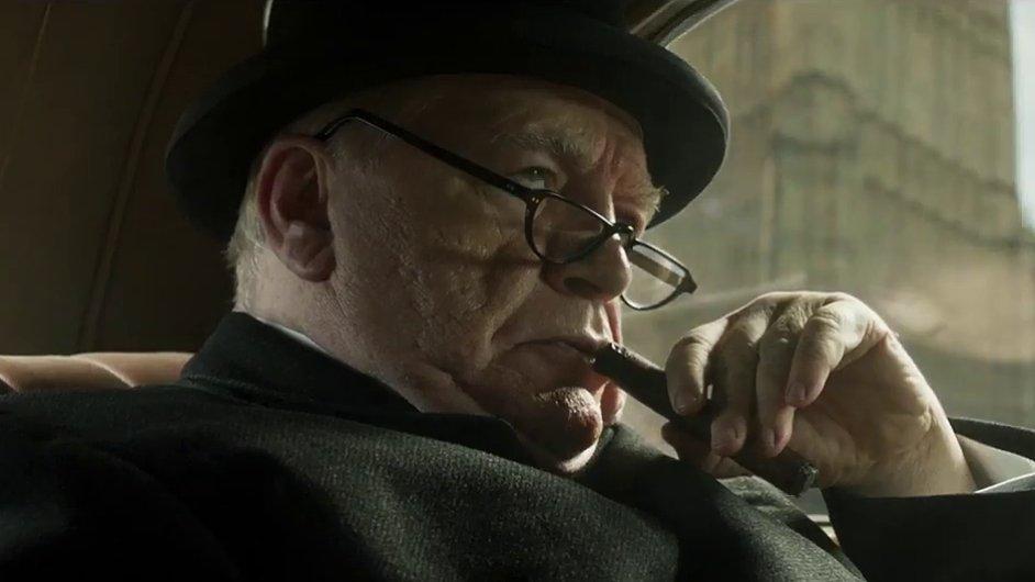 Snímek z filmu Churchill.