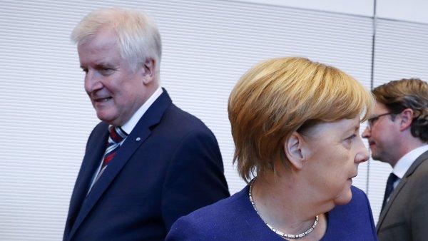 Kancléřka a předsedkyně unie CDU/CSU Angela Merkelová s předsedou bavorské CSU a bavorským premiérem Horstem Seehoferem.