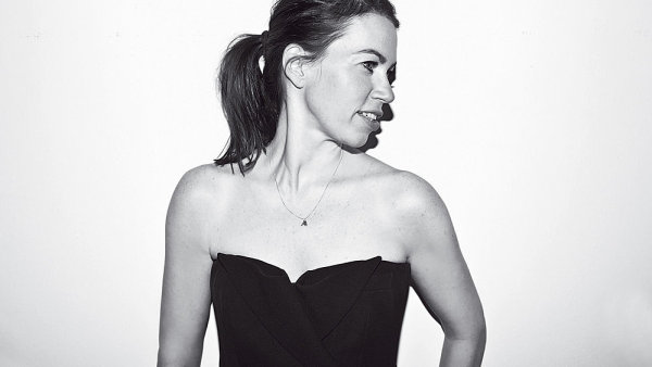 Andrea Běhounková na snímku Benedikta Renče pro magazín Proč ne?!