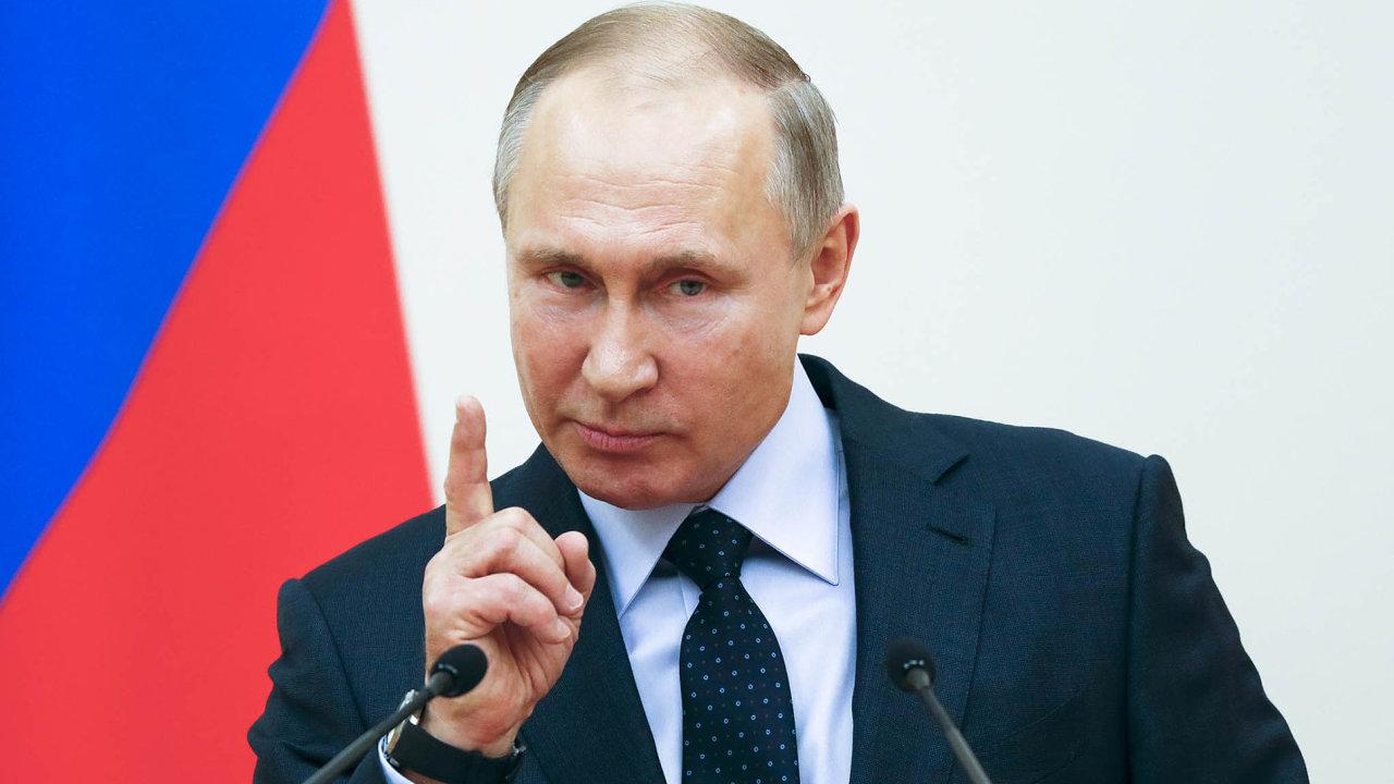 Dmitrij Peskov, tiskový mluvčí ruského prezidenta Vladimira Putina (na snímku), prohlásil, že soudní žaloby se ukázaly jako efektivní aže je vtom potřeba pokračovat.
