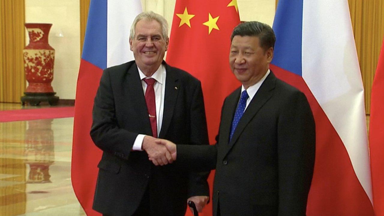 Česko se bezvýhradně obrací k Číně na úkor spojenců, cesta Mynáře do Číny byla zvláštní, říká Hála