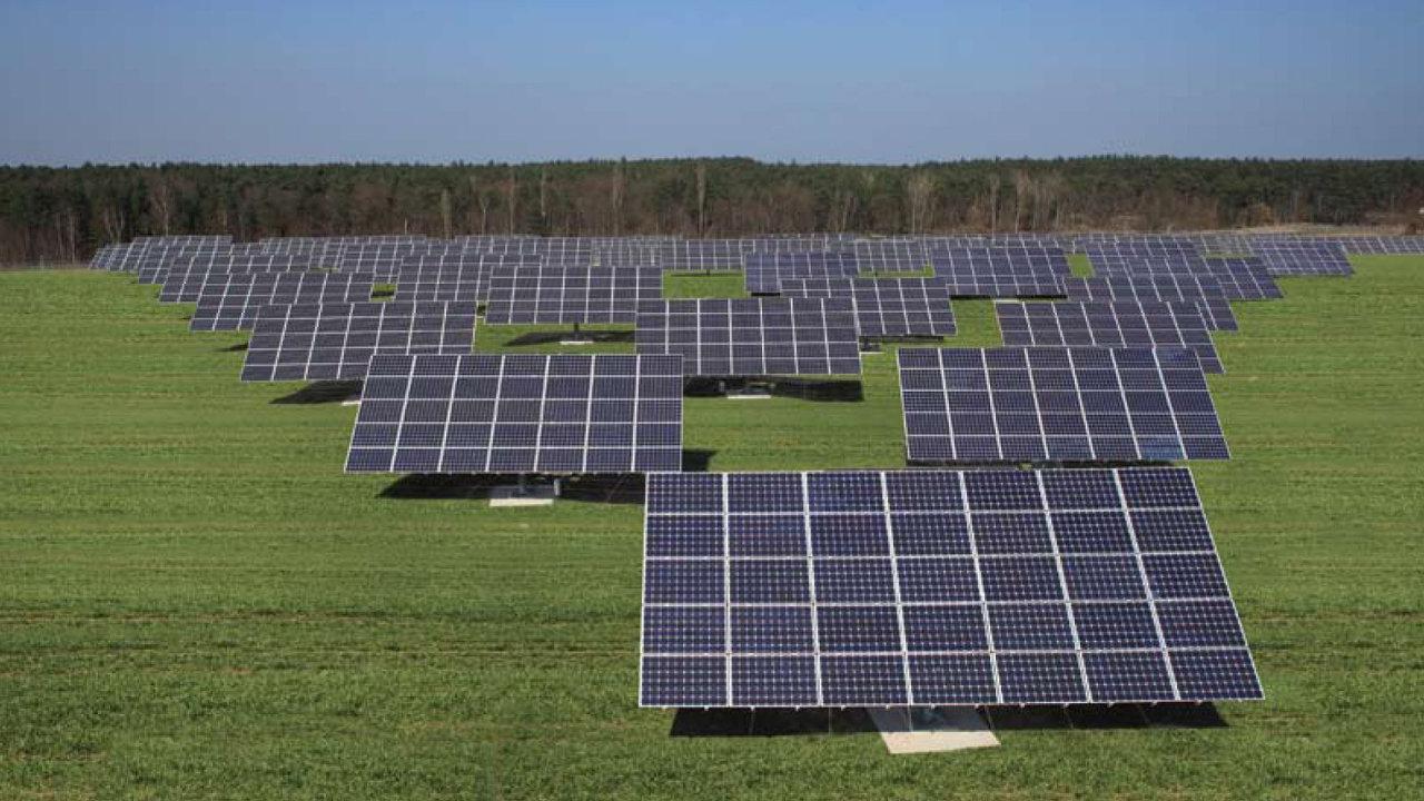Solární panely dnes vyrábějí přibližně desetinu elektřiny na kontinentě.