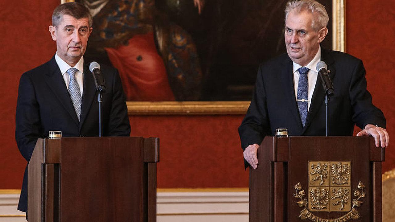 Prezident Zeman jmenuje vládu Andreje Babiše