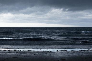 Odsolení mořské vody v místech, kde chybí pitná, podle některých odhadů spotřebuje až 15 procent z celkem vyprodukované elektřiny - Ilustrační foto.