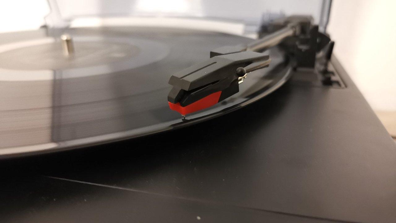 Gramofon Sencor STT211U