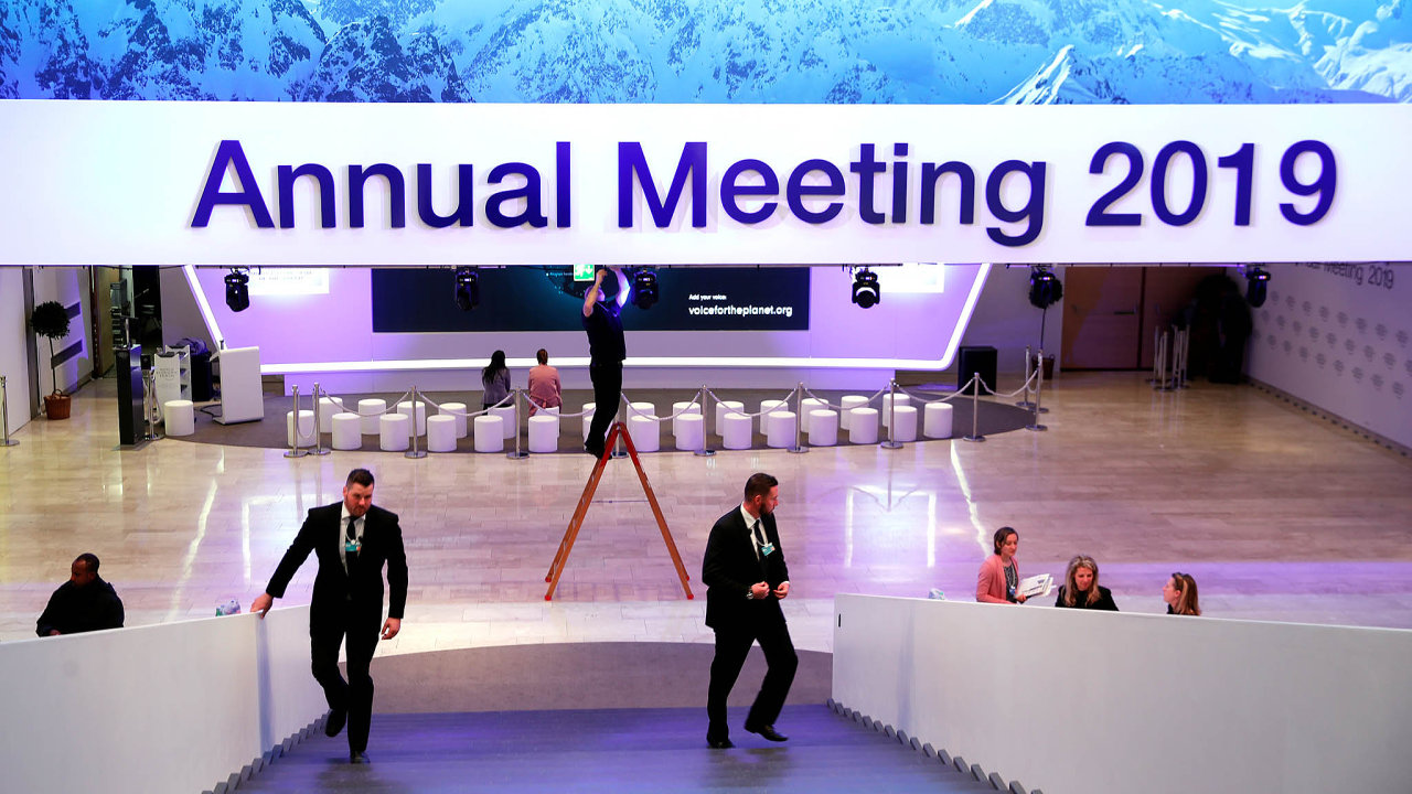 Bezpečí nade vše: Přísná bezpečnostní opatření letos přijdou zhruba na devět milionů švýcarských franků, vpřepočtu asi 203 milionů korun. Dělí se oně město Davos, kanton Graubünden avláda vBernu.