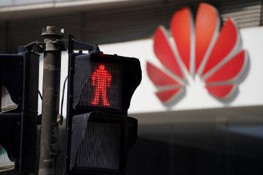 Firmy jako Huawei či ZTE jakékoliv nařčení ze špionáže pro Čínu nebo z toho, že by mohly Pekingu předávat citlivá data, ostře odmítají.