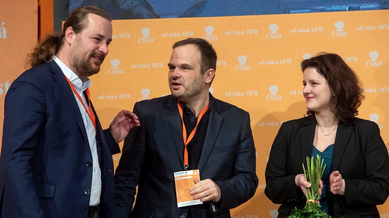 Nově zvolení místopředsedové (zleva) Ondřej Veselý, Michal Šmarda a Jana Maláčová.