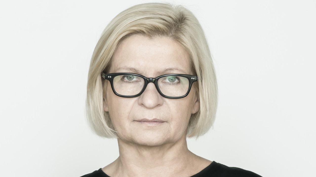 Lenka Lindaurová