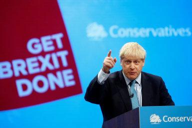 Členové vlády podle listu na úterním zasedání varovali Johnsona před možností, že by se v případě neřízeného brexitu 31. října vrátilo Severní Irsko pod přímou správu Londýna.