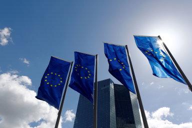 """Evropští centrální bankéři chtějí zápornými sazbami finanční domy motivovat k tomu, aby """"neseděly"""" na penězích nebo je krátkodobě neukládaly právě u centrálních bank, ale dále je půjčovaly."""