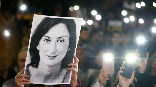 Maltská investigativní novinářka Daphne Caruanaová Galiziová byla zavražděna na objednávku.