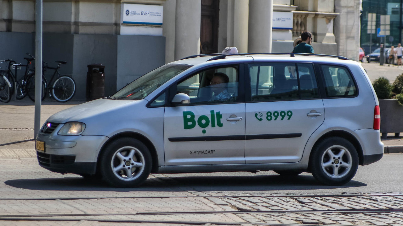 Společnost Bolt se napadené nevidomé ženě omluvila jménem řidiče, který údajně svého činu lituje apodle mluvčího firmy Jana Novosada přiznává, že situaci naprosto nezvládl (ilustrační foto).