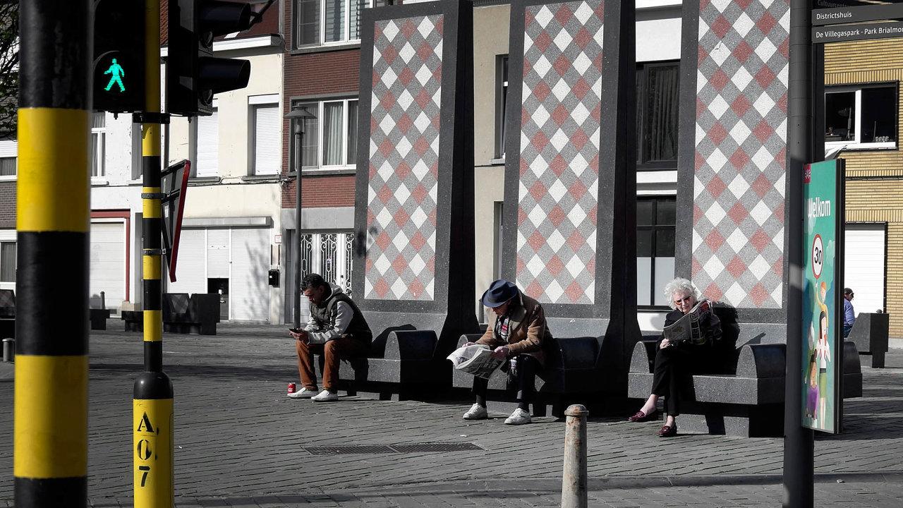 Belgičané zaznamenali více úmrtí nejen než sousední Nizozemsko, které je opolovinu větší, aletaké než Německo, jež má osmkrát více obyvatel.