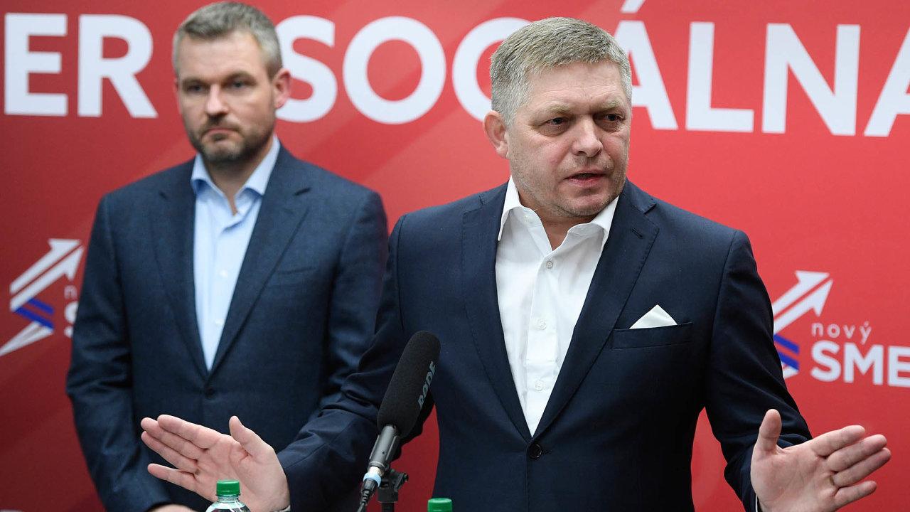 Rivalové: Peter Pellegrini (vlevo) se chce sšéfem Směru Robertem Ficem utkat onejvyšší post vestraně.