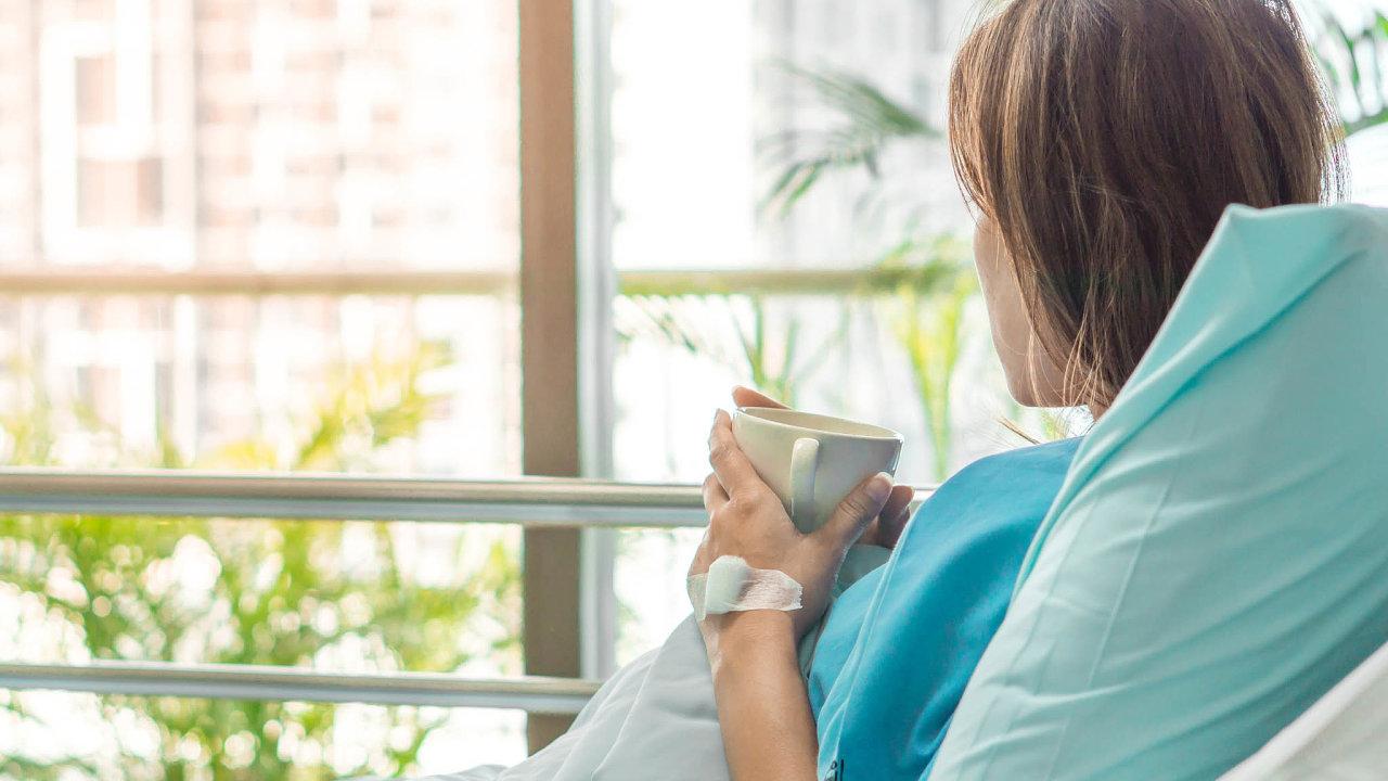 Poskytování zdravotních služeb hrazených zveřejného zdravotního pojištění by se mohlo dočkat změn. Zlepšit by se mohlo především postavení pacientů vyžadujících léčbu, která není poskytována běžně