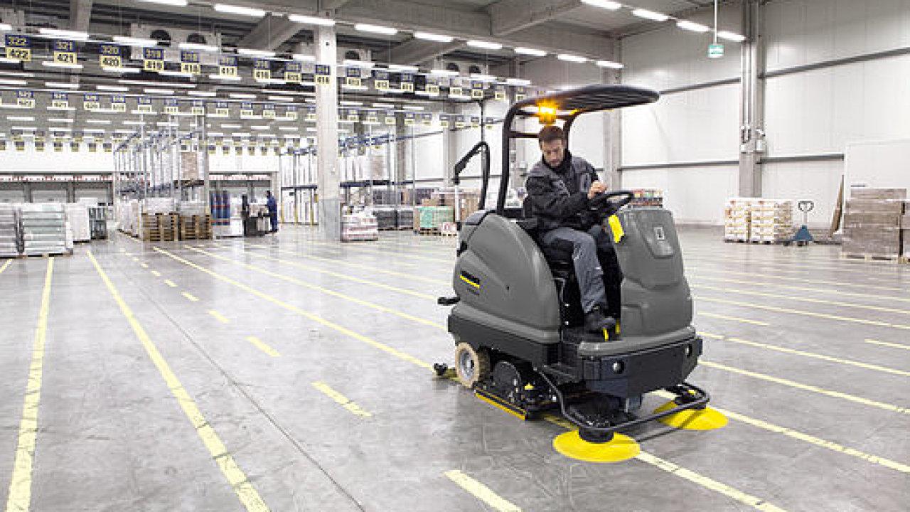 Kärcher se vedle koncových zákazníků zaměřuje i na firemní sektor, kde poskytuje řešení na míru jednotlivým průmyslovým odvětvím, mezi něž patří i logistika.