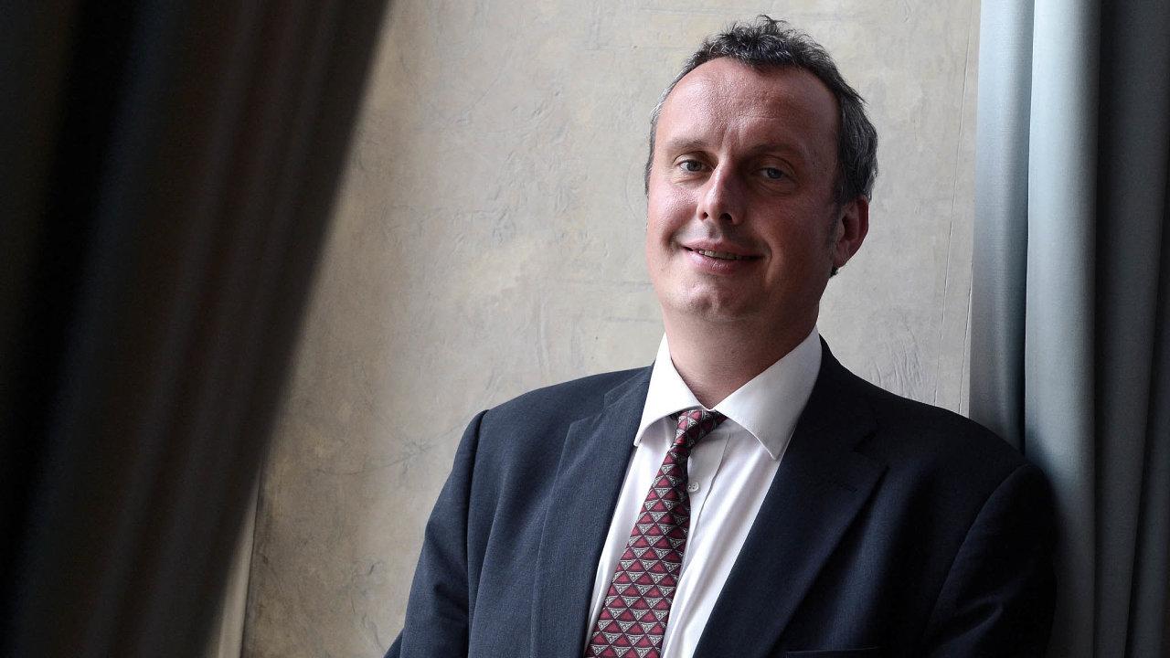 Diskuze obudoucnosti ekonomiky: prorektor CEVRO institutu avedoucí expertní skupiny Aspen Institute CE pro téma bezpečnost ainovace Tomáš Pojar.