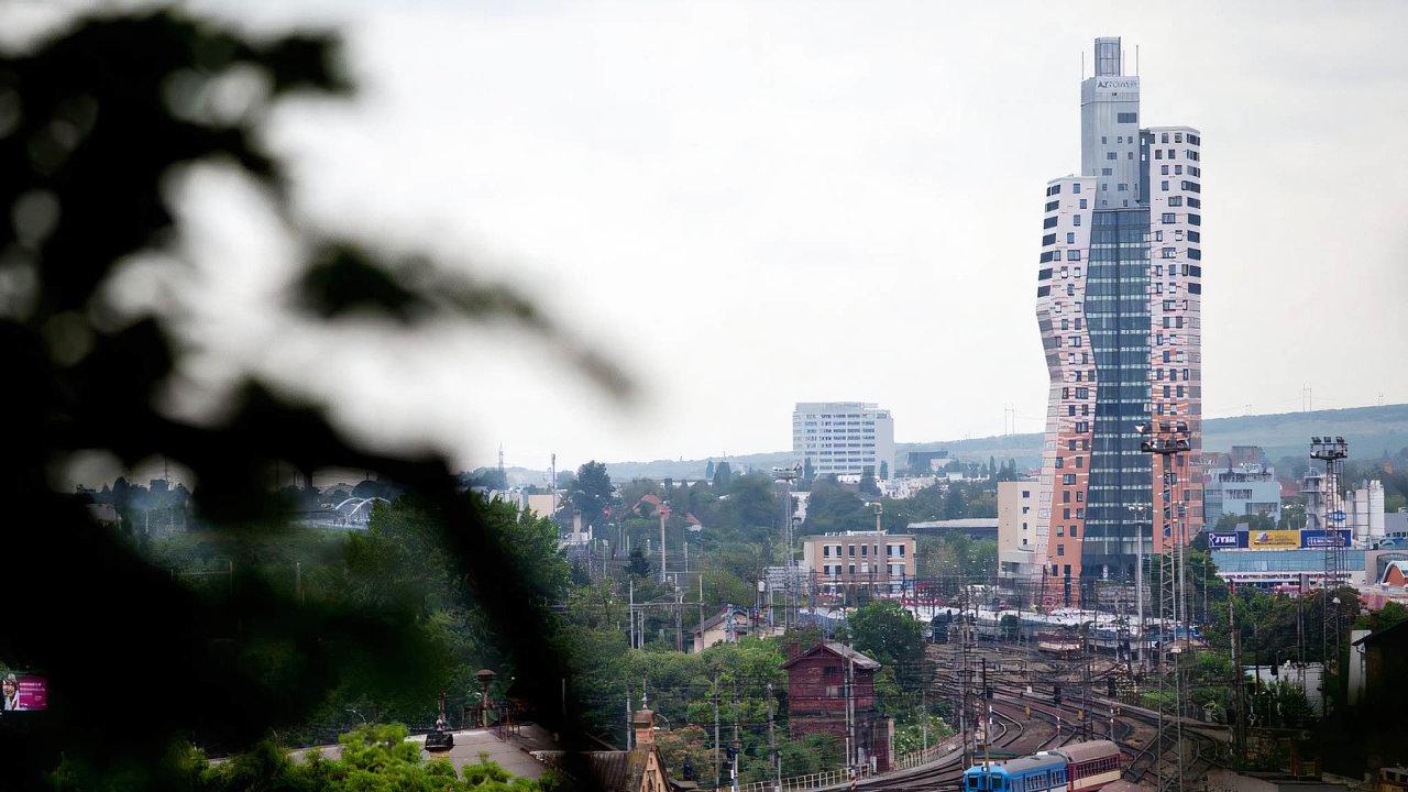 Nejvyšší budova vČesku měnila majitele. Nejvyšší český mrakodrap, brněnský AZ Tower, převzala česká investiční firma Natland.