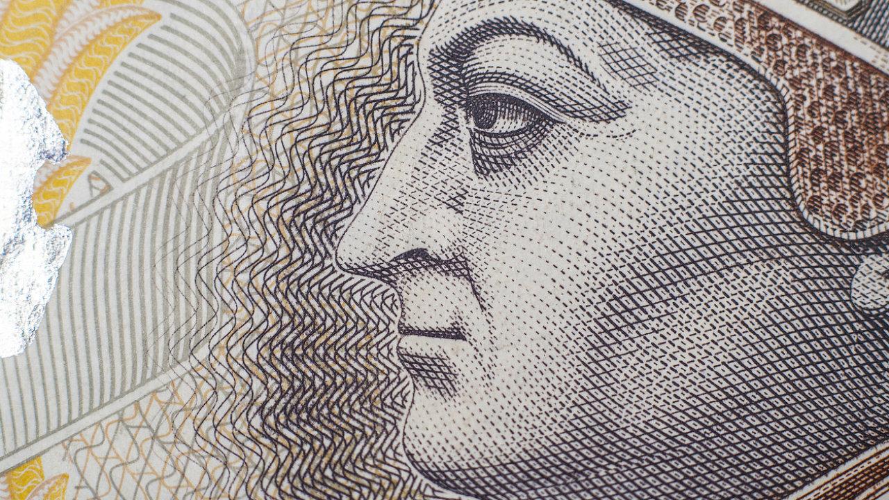 """Zatímco koruna """"odpočívá"""", zlotý (na fotce bankovka v hodnotě 200 zlotých) i forint vposledních týdnech vystrkují růžky."""