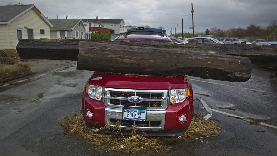 Auta zdemolovaná superbouří Sandy