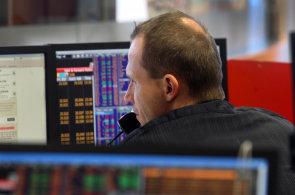 Prudkým propadem zahájily dnešní obchodování na varšavské burze akcie společnosti X-Trade Brokers (XTB) - Ilustrační foto.