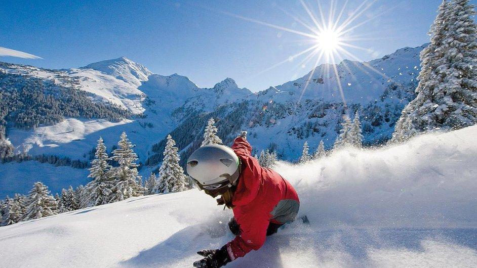 Zimně jarní radovánky si mohou zejména rodiny s dětmi stále ještě užít v tyrolském údolí Alpbachtal