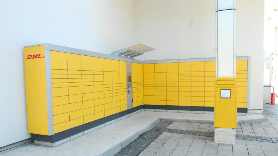Zákazníci DHL si mohou nechat poslat své zásilky do některého z 2500 balíkomatů v Německu