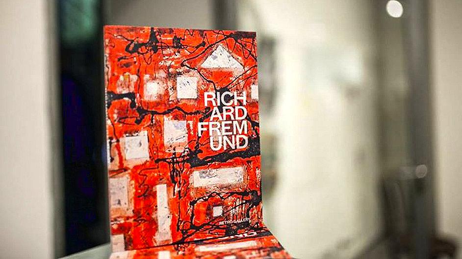 K Fremundově výstavě vyšel i obsáhlý katalog.