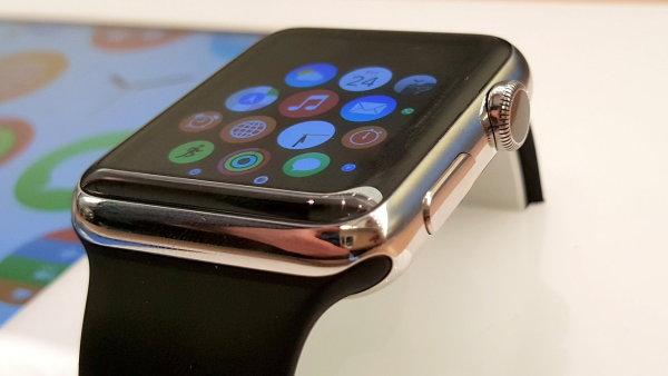 Prvn� dojmy z Apple Watch: Respekt ke zpracov�n�, rozpaky z ovl�d�n�