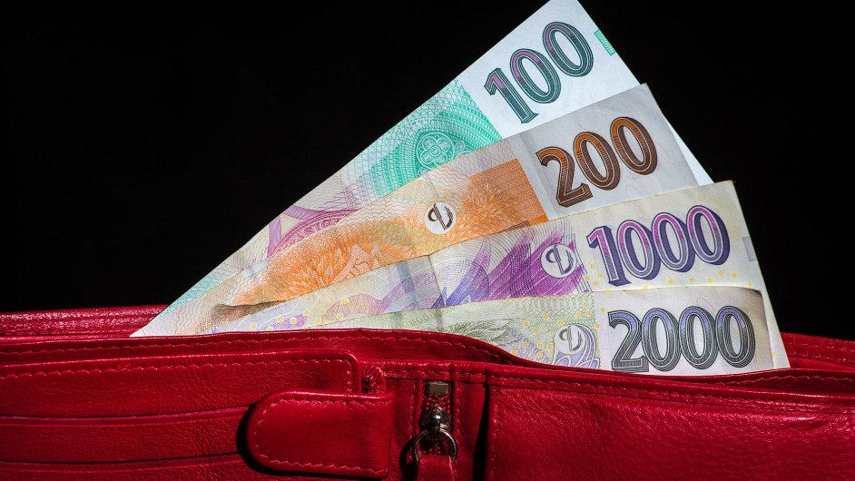 Česká koruna, peníze