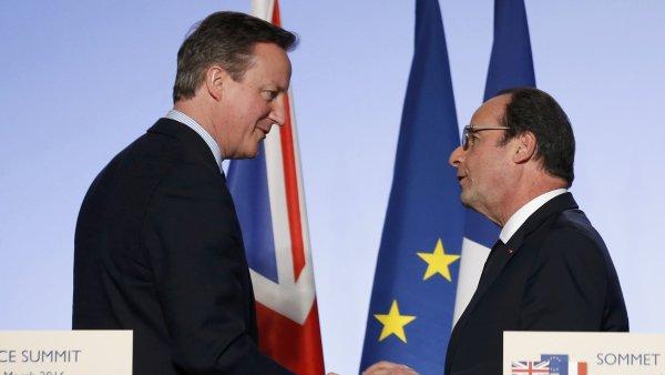 Britsk� premi�r David Cameron a francouzsk� prezident Fran�ois Hollande b�hem britsko-francouzsk�ho summitu.